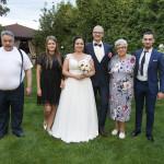 Sesja w ogrodzie - wesele Marty i Rafała_39