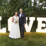Sesja w ogrodzie - wesele Marty i Rafała_81